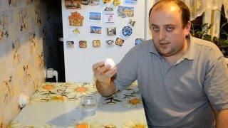 Как проверить свежесть яиц.  Яйцо  в воде.(В донном видео показан простой способ проверки куриных яиц на свежесть ., 2016-01-17T20:26:36.000Z)