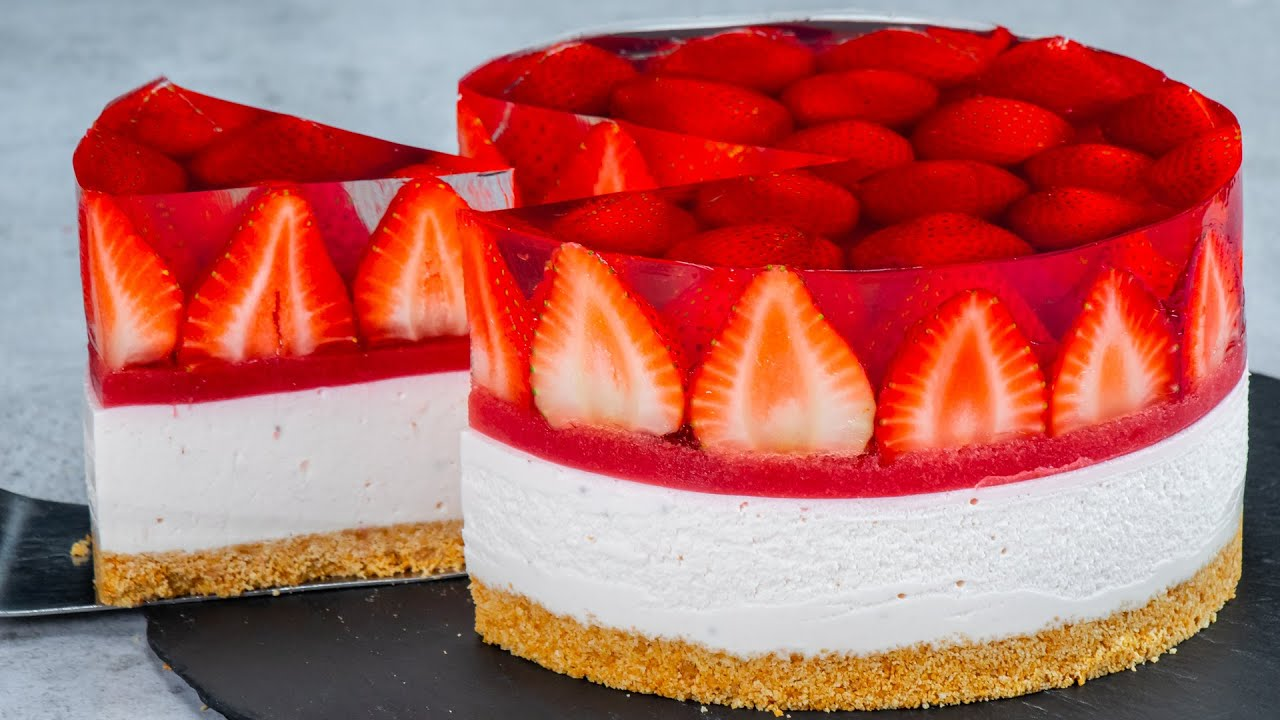 Strawberries cheesecake. A recipe without baking and without eggs!