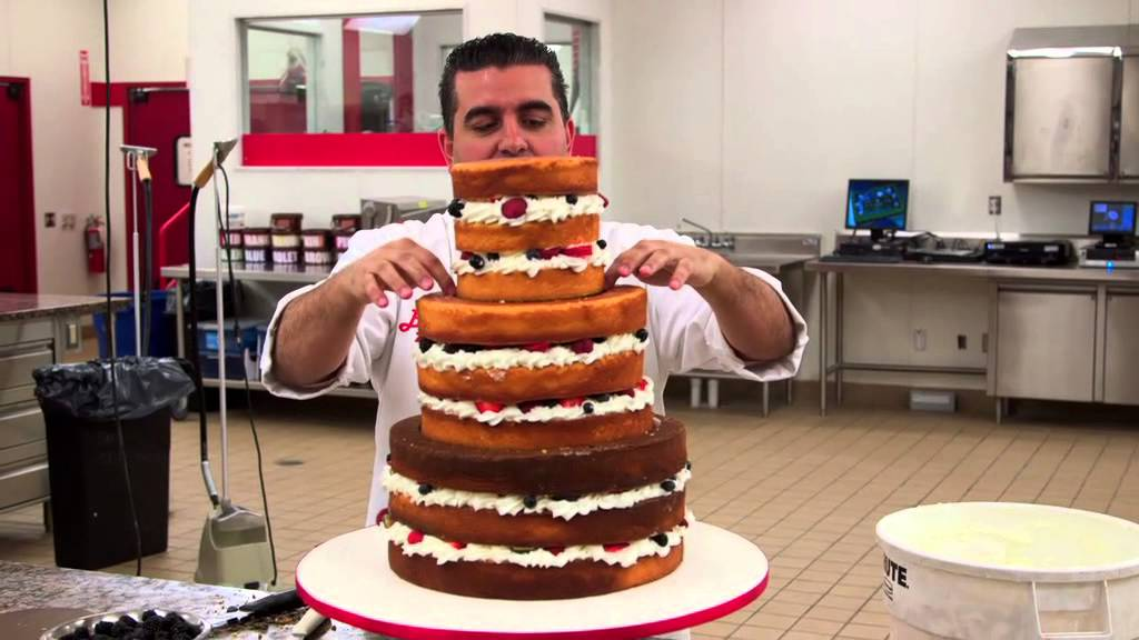 Cake Boss Decorating A Cake : Een naakte taart Cake Boss - YouTube