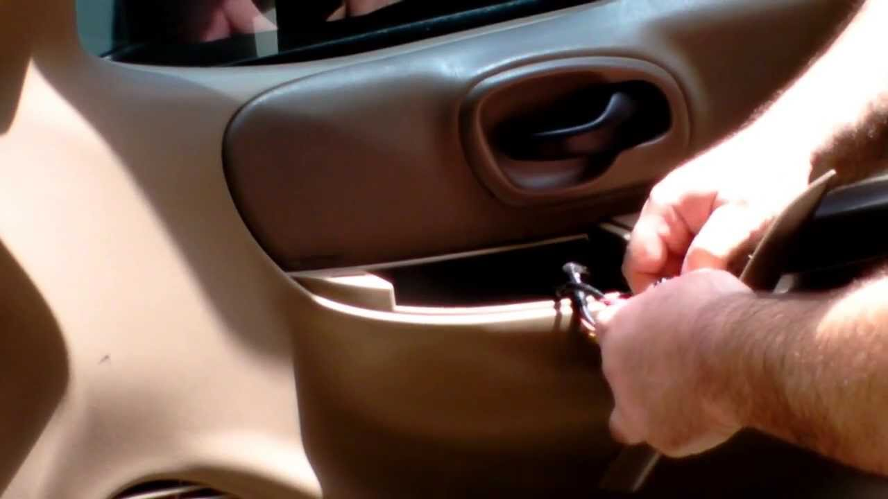 & 2001 Ford F150 Door Lock Actuator Replacement - YouTube Pezcame.Com