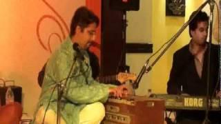 Nishant Akshar Live at Vasant Vihar Club - Hans Ke Bola Karo