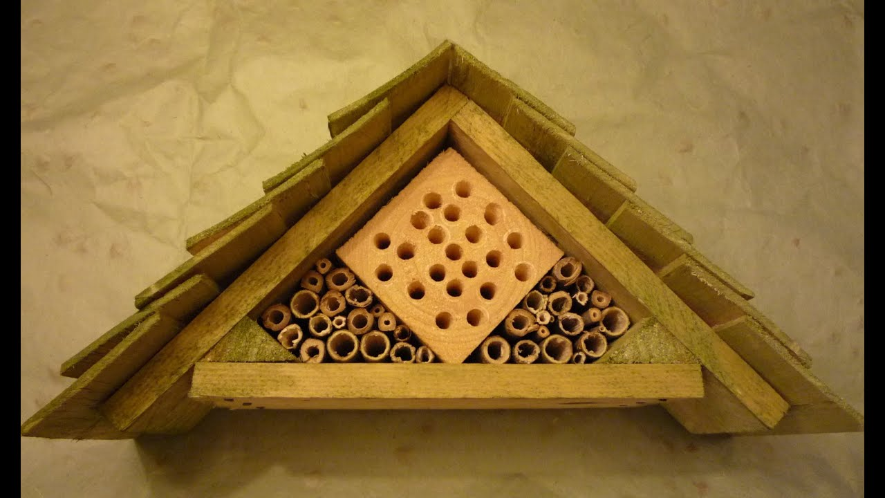 Home-made Insect Hotel from 99% free and recuperated ...