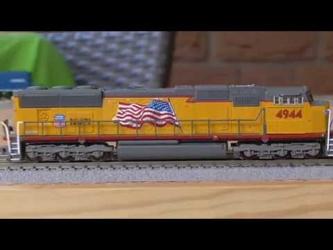 Review new AZL SD70M (flared Radiators) Union Pacific #4944