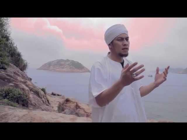 Medina Feat Umi pipik - Innallaha Maana
