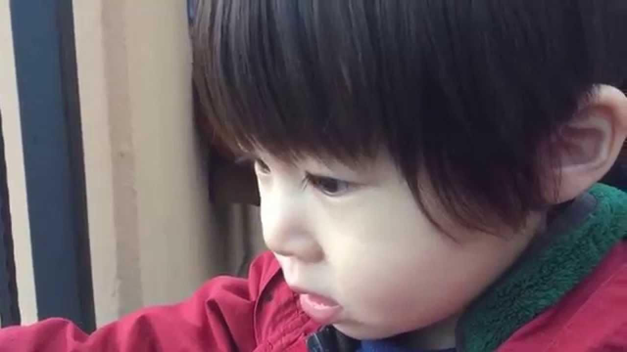 癒し】可愛い子供口笛?口遊び?赤ちゃん笑顔女の子か男の子か?baby