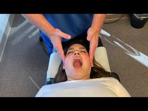 Houston Lady Gets Her First Johnson Chiropractic Adjustment From Head To Toe Literally