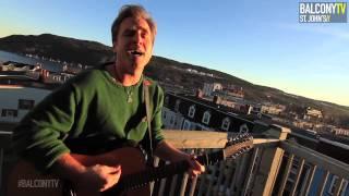 SEAN MCCANN - MERRY CHRISTMAS EVERYONE (BalconyTV)