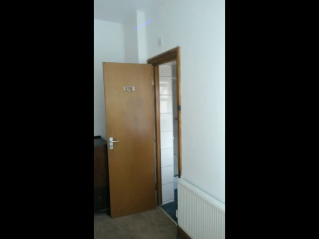 TW3 3Ab * *All Bills Included* * Very Large Room Main Photo