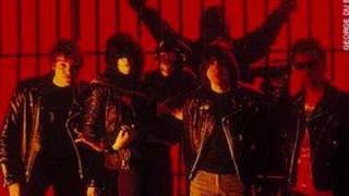 The Ramones - Carbona Not Glue/Listen To My Heart (1986)
