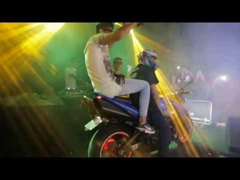 HUNGRIA HIP HOP - Chegou Cortando GIRO De Moto Esportiva Em Show Ao Vivo 2017