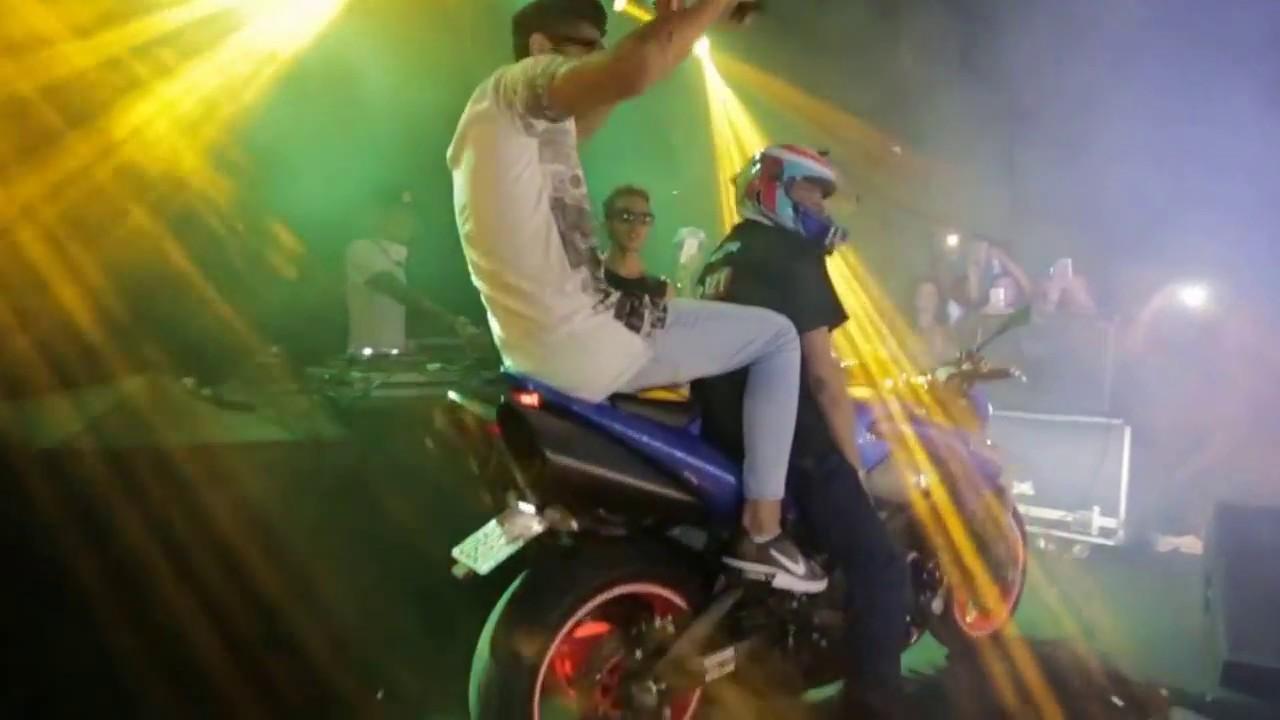 Download HUNGRIA HIP HOP - Chegou cortando GIRO de moto esportiva em show ao vivo 2017
