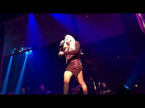 Carrie Underwood –  Good Girl 5-18-19 (Front Row!) Bakersfield, California