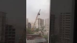 Буря в Астане 22 мая 2018 - Кран упал из-за бури Ураган в казахстанской степи