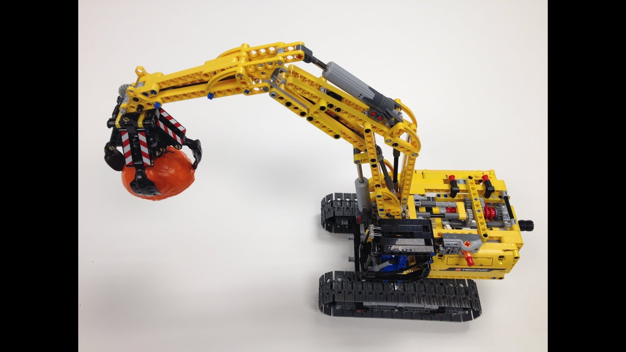 Lego Technic Excavator 42006 With Power Functions Youtube