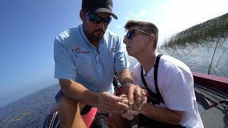 One of apbassing's most viewed videos: HUGE HOOK IN MY HAND !!