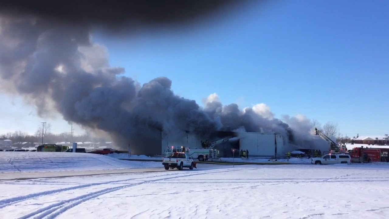 Fire at Uftring Chevrolet - YouTube