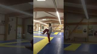 Eveil ostéo-articulaire et équilibre avec balle
