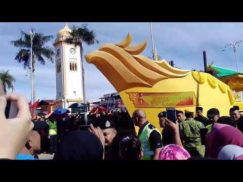 Bahtera Diraja Layang Emas dalam Istiadat Perarakan sempena Pertabalan Sultan Kedah 2018