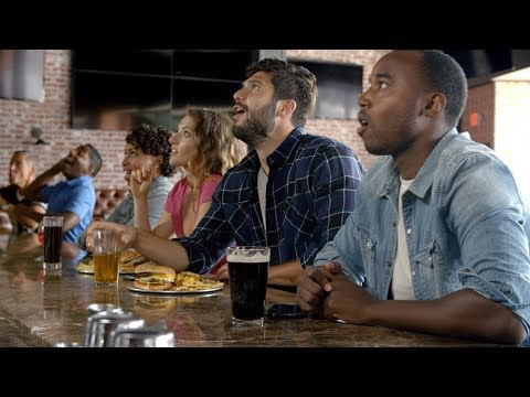 Why It's More Fun To Watch The Game At A Sports Bar