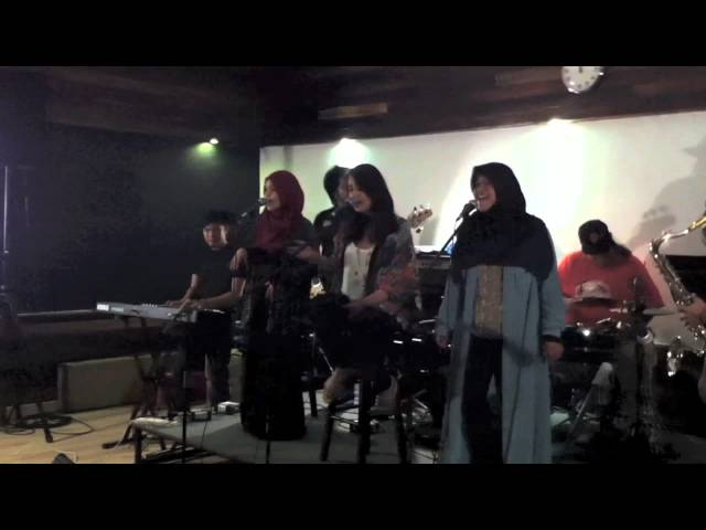 Khayalan (Cover) by Diandra Arjunaidi + Hani&Zue Travel Video
