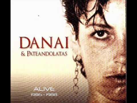 Extraña Sensación de Amor -  Danai y Pateando Latas