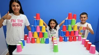 Kids Build Colorful Cups Tower Challenge! family fun video