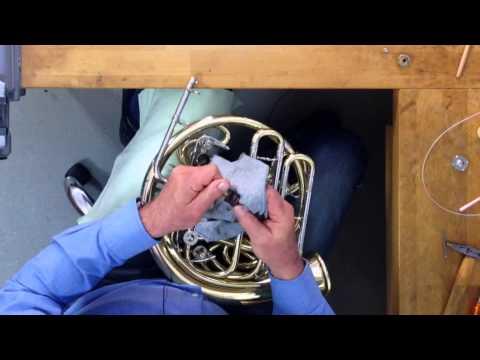 Waldhorn Ventile ölen, Mundrohr reinigen, Züge fetten - eine Anleitung von Engelbert Schmid Horns