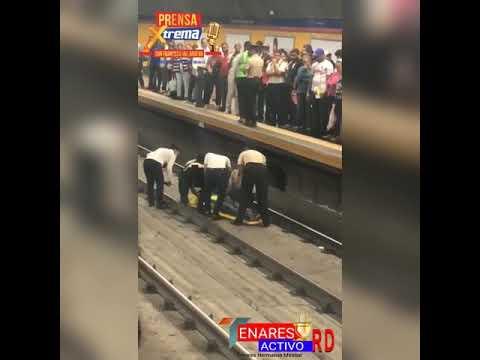 Video: Un hombre cae a la línea del Metro en Santo Domingo al intentar abordarlo.