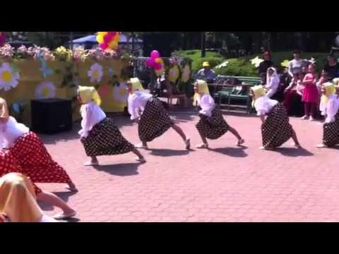 Видео поссинг старушек фото 690-558