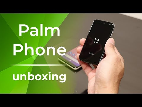 Palm Phone unboxing & first impressions: Yeah, it's that tiny!