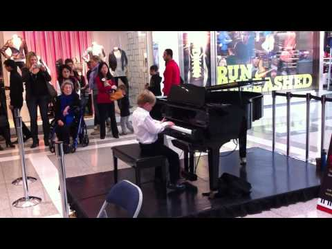Trenton's First Public Piano recital 001.MOV