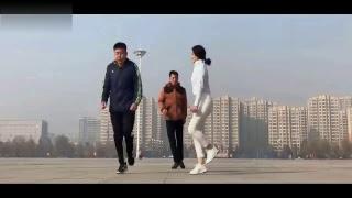 Asian Beautiful Girl Shuffle Dance - Charming Dance - Can't take my eyes off her