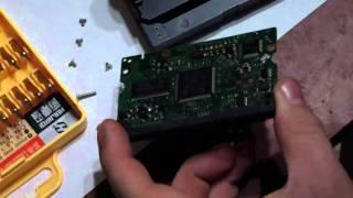Чистка контактов платы HDD.
