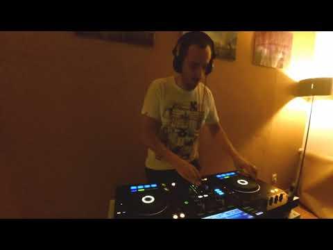 Deep/Progressive/House mix by Tom Roman (Flatbeats)