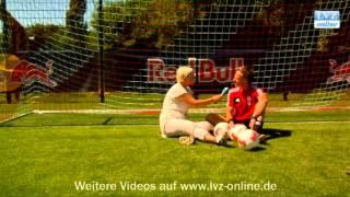 Tim Lobinger beflügelt RB-Spieler