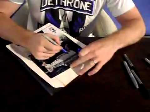 Living Spaces In La Mirada : Jonathan Quick signing autographs at Living Spaces in La ...