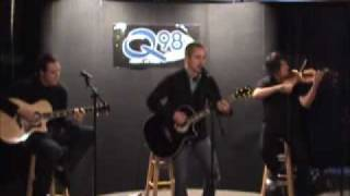 "Yellowcard ""Light Up The Sky"" (live - acoustic)"