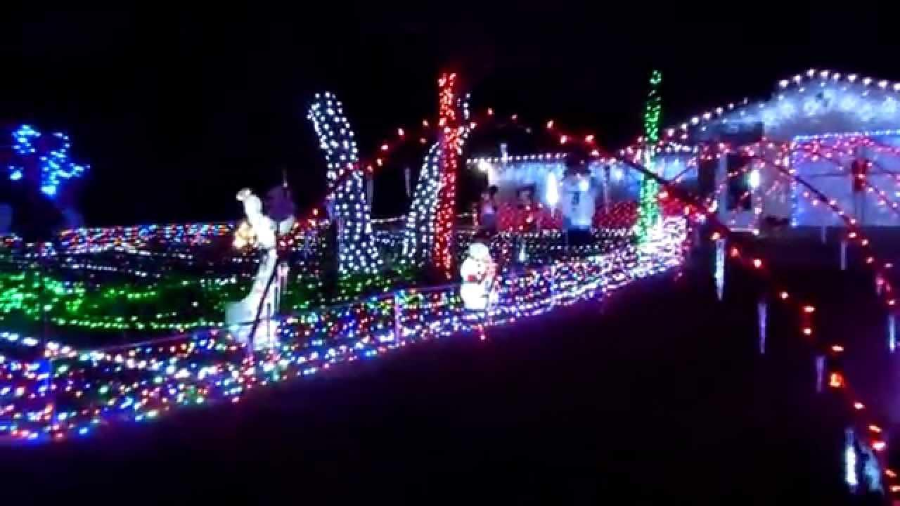 2014 Light Display Florida Using Mr Christmas Lights & Sound & Gemmy ...