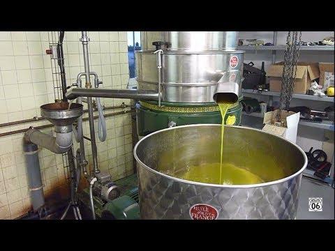Fabrication De L'huile D'olive Vierge / Virgin Olive Oil Making - Speracedes, France (sous-titres)