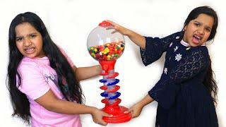 शफ़ा और उसकी जुड़वाँ को एक जैसी ग़म्स मशीन चाहिए।