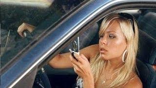 Агрессивная блондинка за рулем качает права у ДПС
