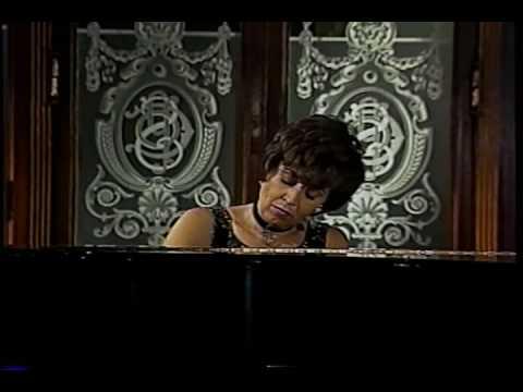 Ricardo Castro - Berceuse (Silvia Navarrete, piano)