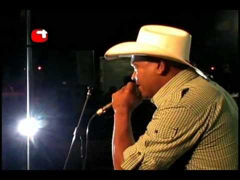 RAMON CUMARIN.CANTANDO EL CLON EN FIRESTONE..mp4