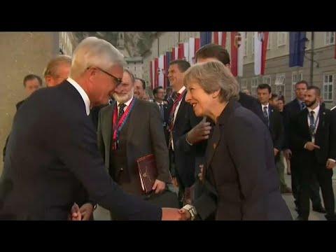 Theresa May pressiona UE a aceitar acordo proposto para o `Brexit`