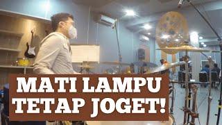 Download Echa Soemantri - Inul Daratista - Dangdut Medley | Amazing 18+