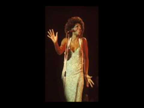 Dame Shirley Bassey NOBODY DOES IT LIKE ME
