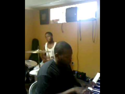 Already Taken- Trey Songz (cover) ft BIG SMOOTH on keyboard... and Maxwell on drums
