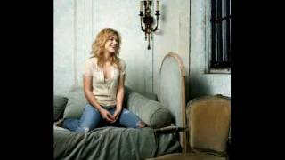 Watch Kelly Clarkson What Happened Here video