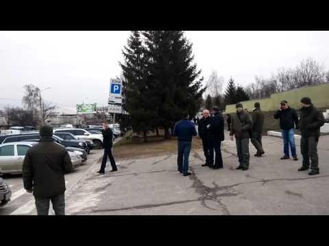 Добкин и машина Кернеса на месте убийства Димента