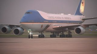 Trump Arrives in Hanoi Ahead of Meetings